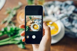 how to take photo on Instagram